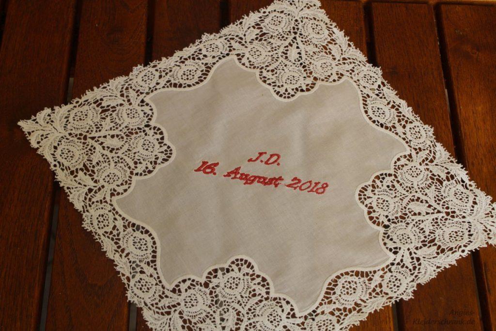 Angies Kleiderschrank, besticktes Hochzeits Taschentuch
