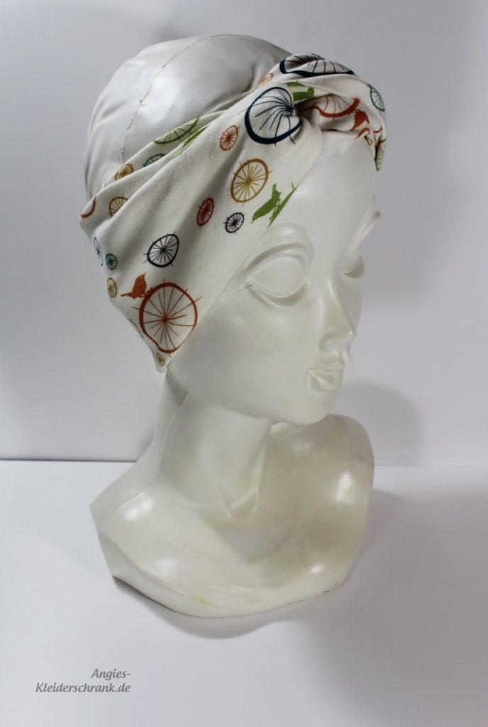 Angies  Kleiderschrank, Kopfband