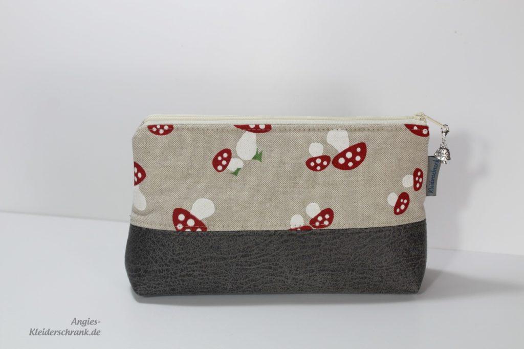 Angies Kleiderschrank, Stifttasche
